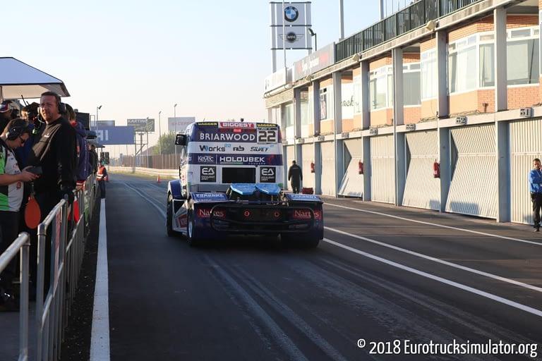 fia etrc jarama 2018 pit lane buggyra oliver janes freightliner 1