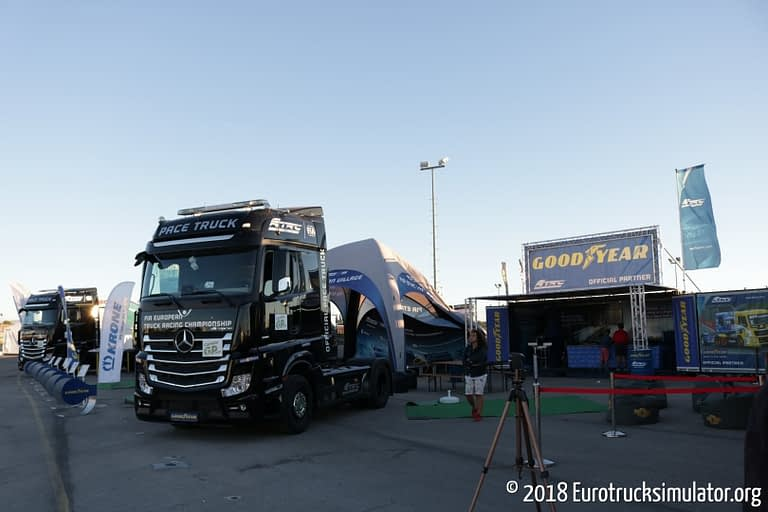 fia etrc jarama 2018 mercedes actros pace truck fun zone 4